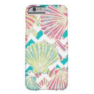 Capa Barely There Para iPhone 6 Encanto do teste padrão de Chevron do Seashell