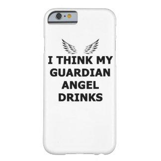 Capa Barely There Para iPhone 6 Eu penso minhas bebidas do anjo-da-guarda