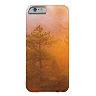 Capa Barely There Para iPhone 6 Floresta dourada da corriola