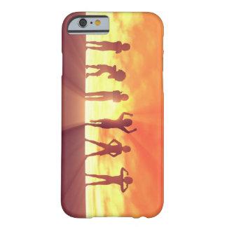 Capa Barely There Para iPhone 6 Grupo de miúdos que têm o divertimento como um