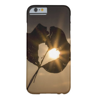 Capa Barely There Para iPhone 6 LeafHeart