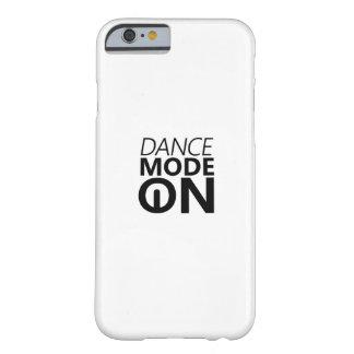 Capa Barely There Para iPhone 6 Modo da dança do presente da dança sobre