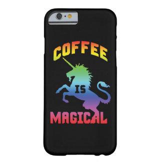 Capa Barely There Para iPhone 6 O café é mágico - unicórnio engraçado da cafeína