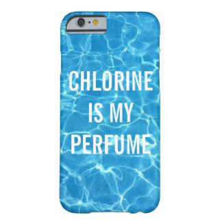 Capa Barely There Para iPhone 6 O cloro é minha piscina do perfume tipográfica