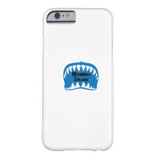 Capa Barely There Para iPhone 6 O presente do tubarão para a mamã sere de mãe a