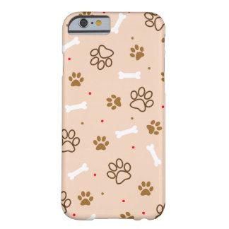 Capa Barely There Para iPhone 6 O teste padrão bonito do cão com patas desossa