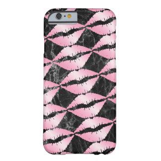 Capa Barely There Para iPhone 6 os lábios cor-de-rosa femininos elegantes do ouro