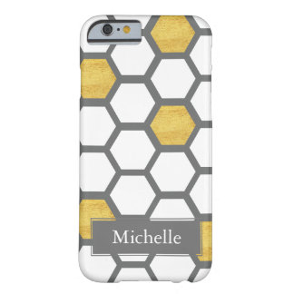 Capa Barely There Para iPhone 6 Ouro & hexágonos brancos no nome feito sob