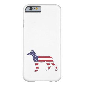 "Capa Barely There Para iPhone 6 pinscher ""bandeira americana "" do doberman"
