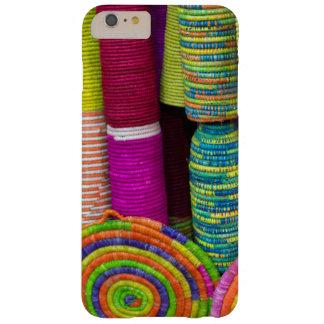 Capa Barely There Para iPhone 6 Plus Cestas coloridas no mercado