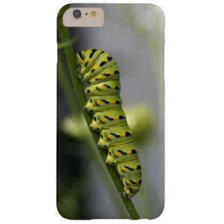 Capa Barely There Para iPhone 6 Plus Lagarta preta do swallowtail (parsleyworm) em Dil