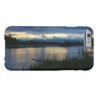 Capa Barely There Para iPhone 6 Por do sol da meia-noite de Denali