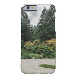 Capa Barely There Para iPhone 6 Relaxe em um jardim japonês