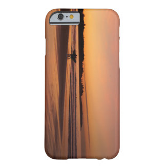 Capa Barely There Para iPhone 6 Surfar da praia de Higgins