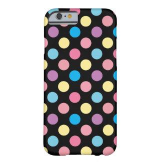 Capa Barely There Para iPhone 6 Teste padrão de bolinhas macio feminino bonito das