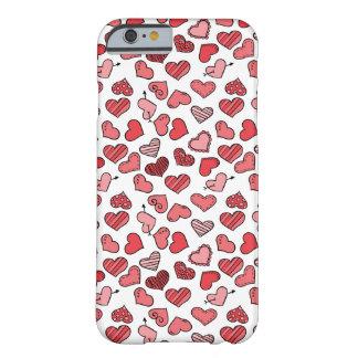 Capa Barely There Para iPhone 6 Teste padrão simples de vibração dos corações dos