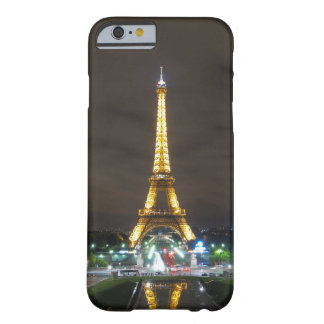 Capa Barely There Para iPhone 6 Torre Eiffel na noite, Paris