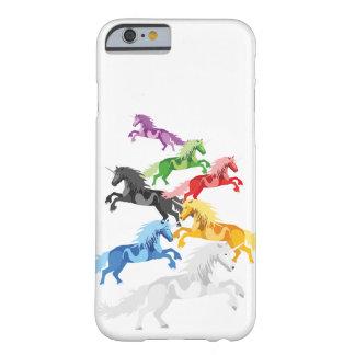 Capa Barely There Para iPhone 6 Unicórnios selvagens coloridos da ilustração