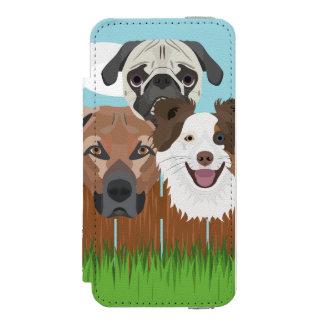 Capa Carteira Incipio Watson™ Para iPhone 5 Cães afortunados da ilustração em uma cerca de