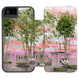 Capa Carteira Incipio Watson™ Para iPhone 5 Flores e bambus de Lotus - 3D rendem