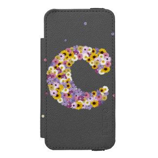 Capa Carteira Incipio Watson™ Para iPhone 5 Letra C da flor