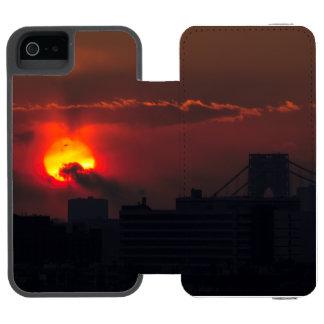 Capa Carteira Incipio Watson™ Para iPhone 5 Por do sol de Bronx