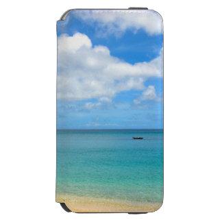 Capa Carteira Incipio Watson™ Para iPhone 6 Água tropical de turquesa com um iate da navigação