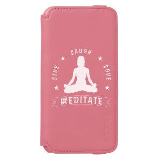 Capa Carteira Incipio Watson™ Para iPhone 6 O amor vivo do riso Meditate o texto fêmea