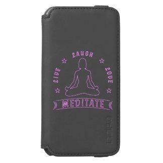 Capa Carteira Incipio Watson™ Para iPhone 6 O amor vivo do riso Meditate texto fêmea (o néon)
