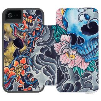 """Capa Carteira para iPhone 5/5s """"Caveiras Tatto"""" Capa Carteira Incipio Watson™ Para iPhone 5"""