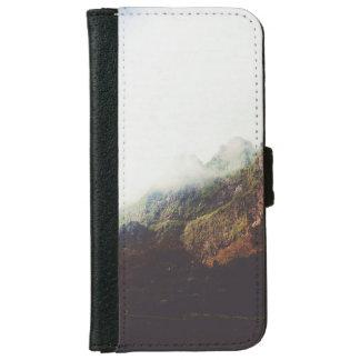 Capa Carteira Para iPhone 6/6s Montanhas enevoadas, cena de relaxamento da