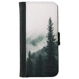 Capa Carteira Para iPhone 6/6s Sobre as montanhas e a calha as madeiras