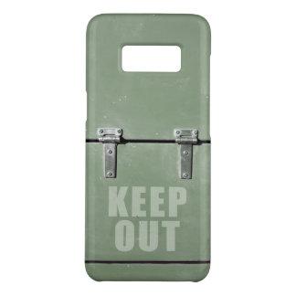 Capa Case-Mate Samsung Galaxy S8 Mantenha para fora o sinal em uma porta do metal