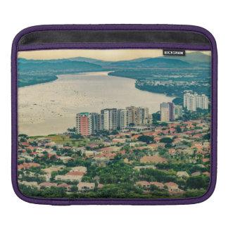 Capa De iPad Ideia aérea do subúrbio de Guayaquil do plano