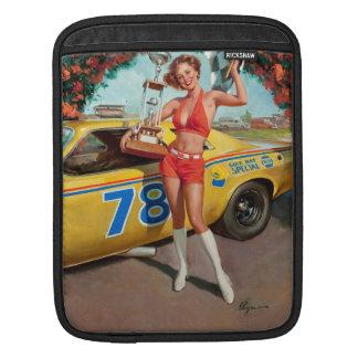 Capa De iPad Menina do pinup do vintage do troféu do carro de