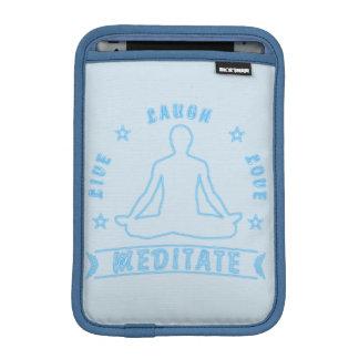 Capa De iPad Mini O amor vivo do riso Meditate o texto masculino (o