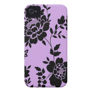 Capa de iphone 4 preto e roxo floral