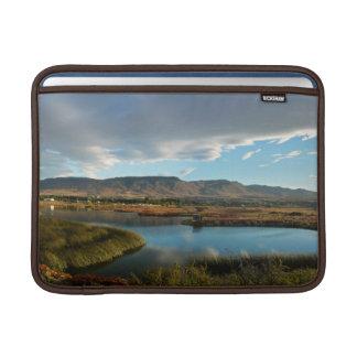 Capa De MacBook Air Lagoa de Nimez na hora dourada