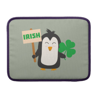 Capa De MacBook Air Pinguim irlandês com trevo Zjib4