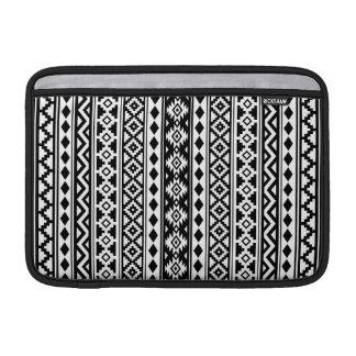 Capa De MacBook Preto & branco verticais de Ptn IIb da essência
