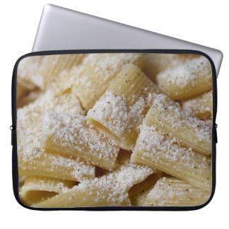 Capa De Notebook Massa com queijo parmesão