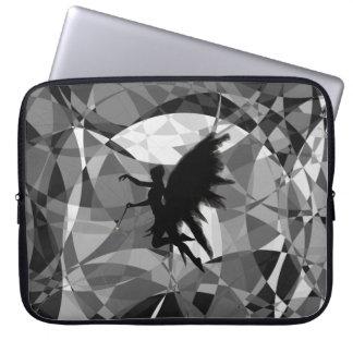 Capa De Notebook Silhueta feericamente no fundo abstrato