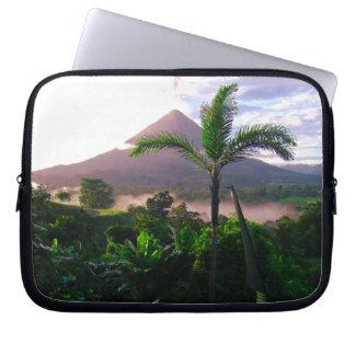 Capa De Notebook Vulcão nos trópicos