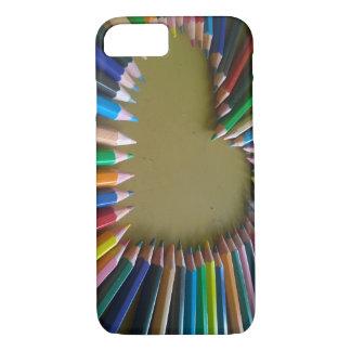 Capa de telefone colorida arco-íris do coração do