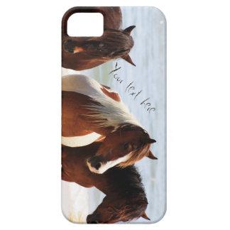 Capa de telefone customizável com os cavalos na
