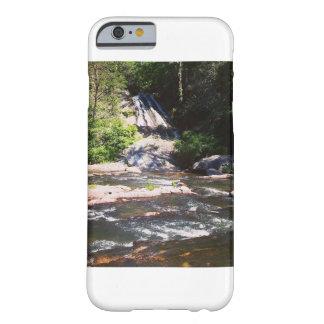 Capa de telefone da cachoeira do verão