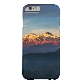 Capa de telefone elegante das montanhas do por do