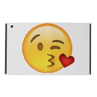 Capa iPad Emoji - beijo de jogo