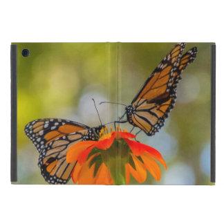Capa iPad Mini Borboletas de monarca em Wildflowers