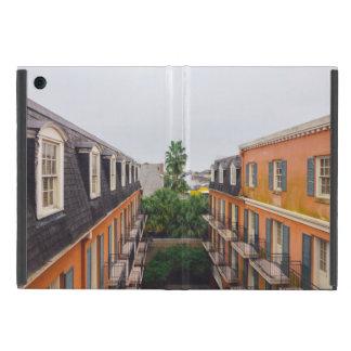 Capa iPad Mini Construções e palmeiras em Nova Orleães
